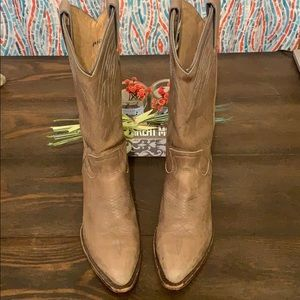 Frye Billy Distressed Pull On